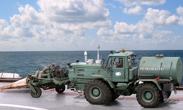 Беспощадная уборка территории в военной части Всячина