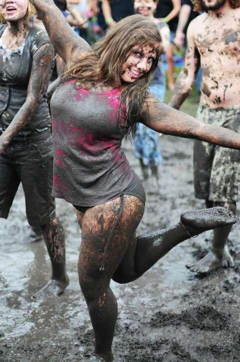 20+ простушек, обожающих месить грязь   Интересное
