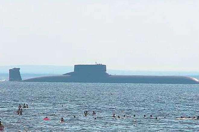 Атомная субмарина размером с авианосец Интересное