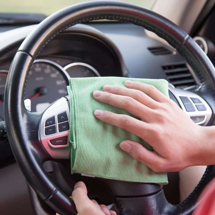 Проверенная методика для водителя, как очистить даже самый грязный салон авто