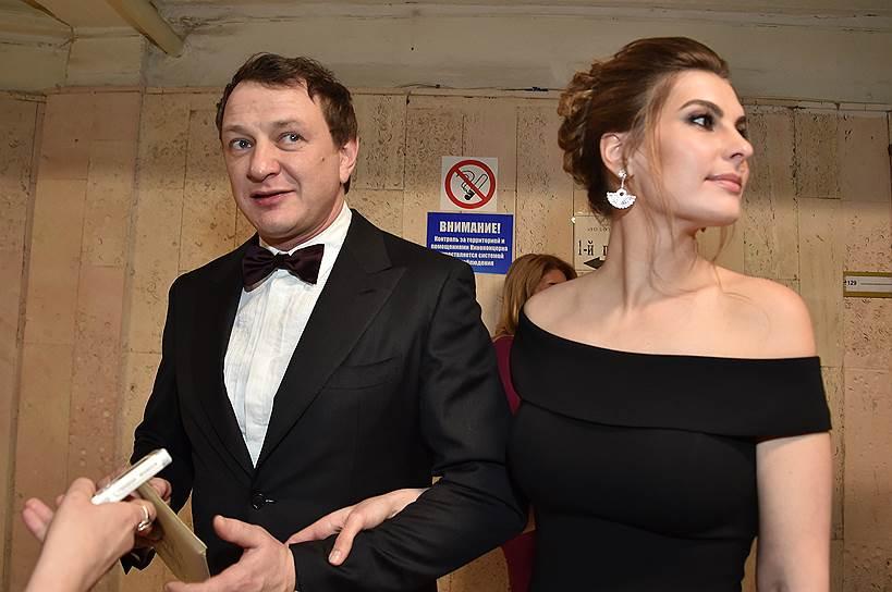 Марат Башаров: Мы не разводимся, мы с супругой так стебемся над вами