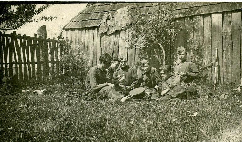 Охотники на бандеровцев: подборка фотографий конца 40-х годов Дальние дали