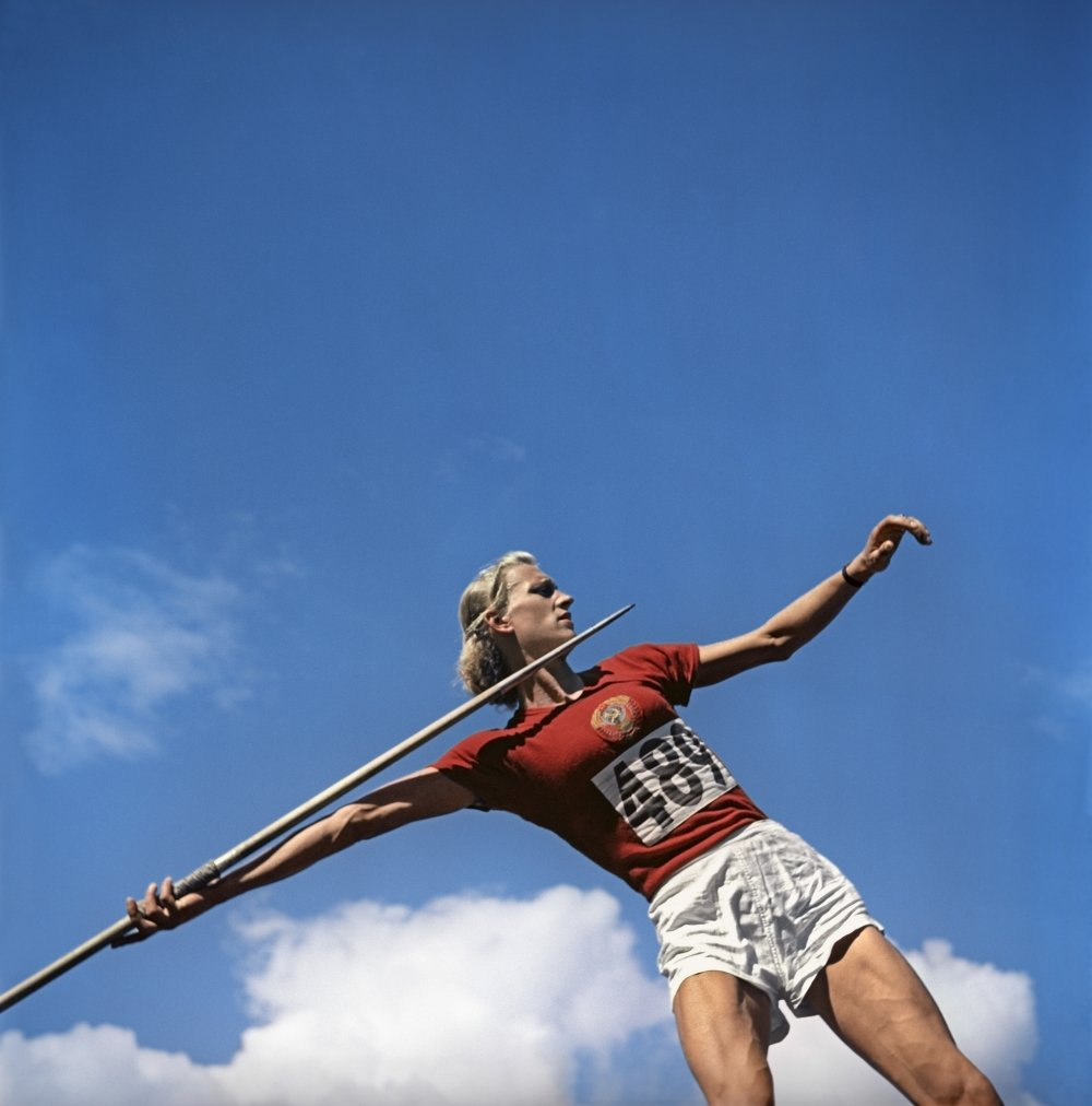 Быстрее! Выше! Денежнее! Как государство стимулировало советских спортсменов в 1940-1950-х годах*