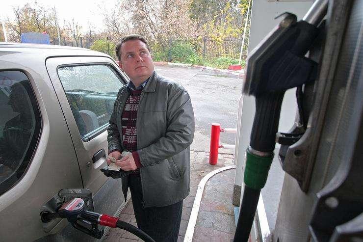Почему нельзя заправлять машину «на 500 рублей» автомобиль