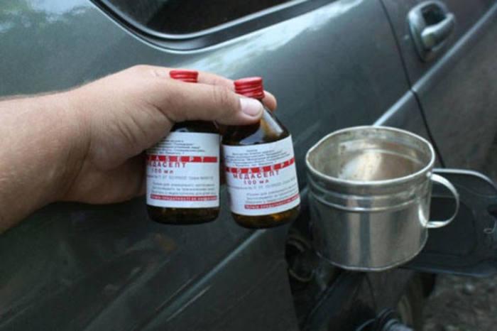 Как без лишних хлопот удалить воду из бензобака автомобиля Полезные советы